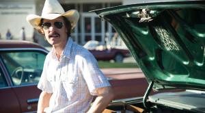 An emaciated Matthew McConaughey as Ron Woodroof
